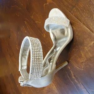 Nina Silver rhinestone 8.5 heels